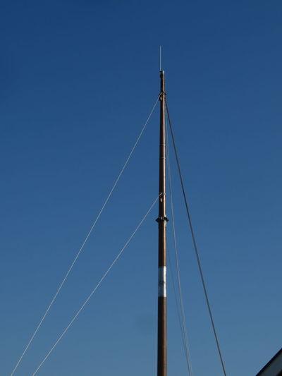 Mast Triangle Shape Blue Clear Sky Sky 17.62°