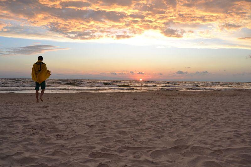 Full Length Sea Wave Sunset Beach Men Sand Sportsman Silhouette Rear View Human Back