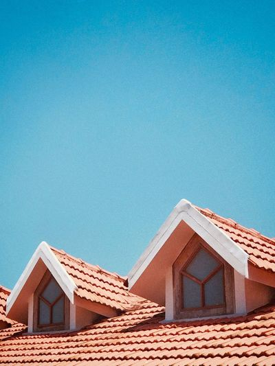 Plane Architecture Built Structure Building Exterior House Building No People Roof Blue Sky Roof Tile Day Nature Clear Sky Sunlight Copy Space Window Residential District Water Outdoors