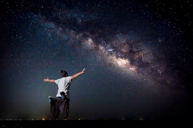 Star - Space Astronomy Night One Person Milky Way Galaxy Star Field Sky Space Outdoors Astrophotography Astronomy Photography People And Places Solitude Male Model Barren The Great Outdoors - 2017 EyeEm Awards The Great Outdoors - 2017 EyeEm Awards