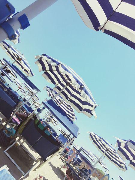 ...per quest'anno non cambiare, dtessa spiaggia, stesso mare.... Summertime