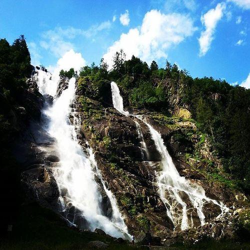 Cascatenardis Valdisoledavivere Trentino  Waterfall | July 11, 2015