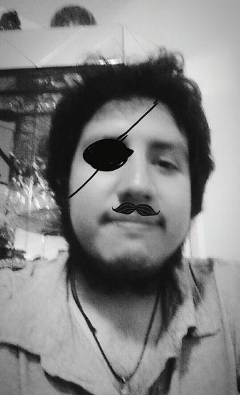 Creativo Aburrido Pirata
