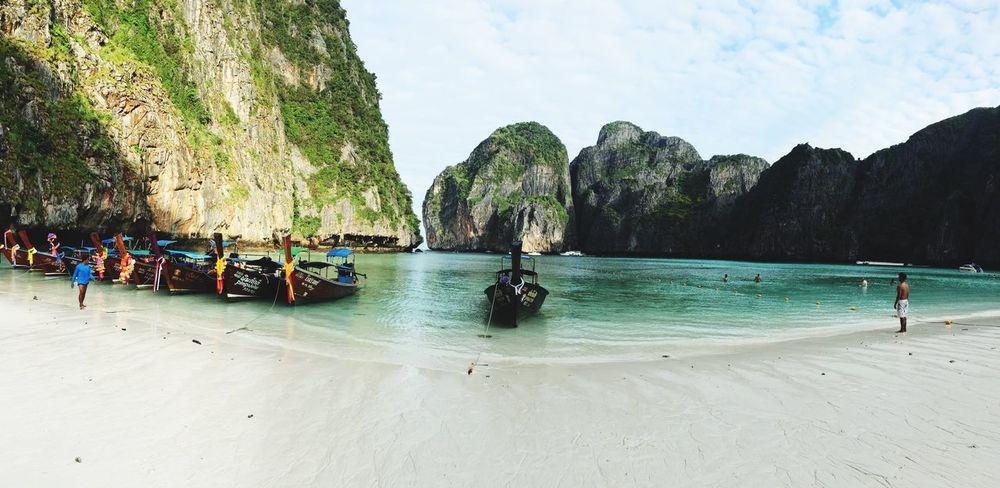 Thailand Holiday Traveling Maya Bay Beach Beautiful Enjoying The View Boat Ride Landscape Boats