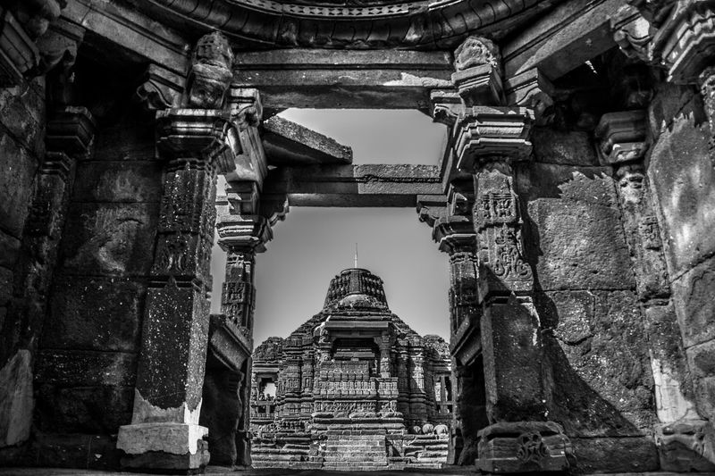 ° A N C I E N T ° Architecture Built Structure Building Exterior Place Of Worship Religion Travel Destinations Ancient City Day Outdoors Sky Indiapictures Streetphotography Architecture MonochromePhotography K_3yur Architecturephotography Monochrome Light And Shadow Monochrome Photography Spirituality Travel Photography Everydayindia Traveller Place Of Worship