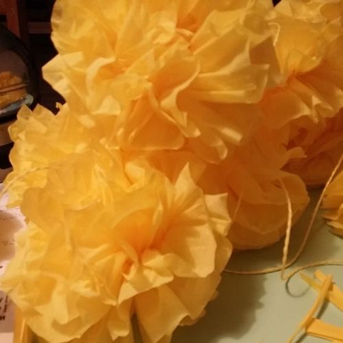 Nicht Selbstgemalt dafür Selbstgemacht sind meine Pompoms für die Hochzeitsdeko junijubelei