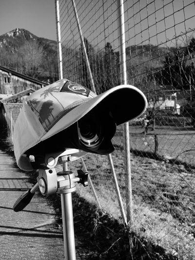 Paparazzi Deeperthoughts Cap Stalking Kritik Paparazi Camera Day Outdoors Close-up