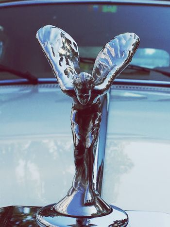 Rolls Royce Statue, Kühlerfigur, Marke, Markenzeichen, Symbol, Engel, Luxus, teuer, Geld, Kaufkraft, Liquidität, Wohlstand, Statussymbol, Status, Eleganz, elegant, design, Chrom, Car Car Expensive Rich Rolls Royce EyeEm Selects Close-up Indoors  No People Focus On Foreground Representation Art And Craft Cloud - Sky Creativity Glass - Material