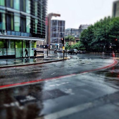 Rainy Day in London? Never! Haha! London Londonpop London_only Ig_london Cityoflondon Squaremile Timeoutlondon Lovelondon Mylondon Thisismylondon Ic_cities_london Londonstreet Instalondon ILoveLondon LDN Streetshot_london Loveit