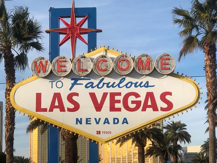 WFV ✈️ Vegas  Text Communication Western Script Sign Architecture Sky Nature Road Sign Travel