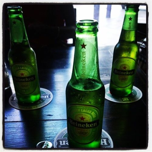 Kicking back... Greenbottle Heineken Coldone Wingzntingz