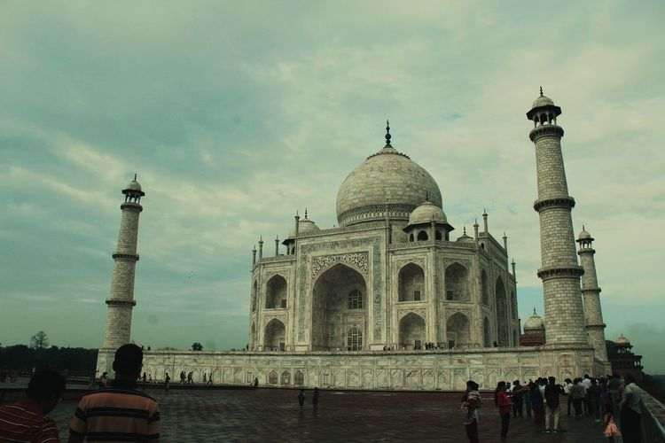Taj you beauty.. Travel Destinations Architecture Dome Tourism History Built Structure Travel Outdoors Sky First Eyeem Photo EyeEmNewHere An Eye For Travel