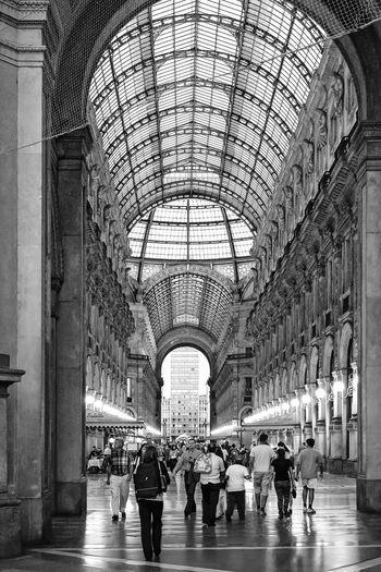 People In Galleria Vittorio Emanuele Ii