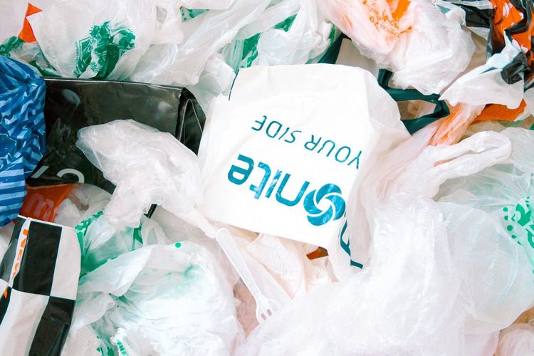Plastic bags Packing Package Garbage Bag Garbage Trash Waste Plastic Waste Plastic Bag Plastic Text Celebration Western Script Communication Paper No People End Plastic Pollution Plastic Environment - LIMEX IMAGINE