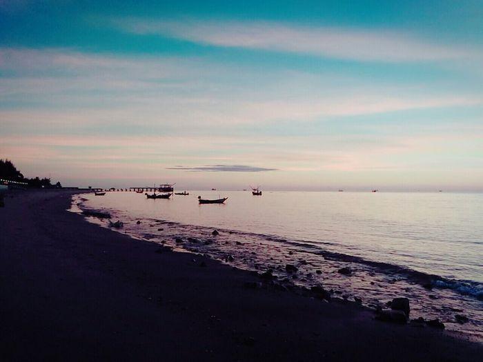 Enjoying Life Beautiful Nature Sky And Sea Taking Photos