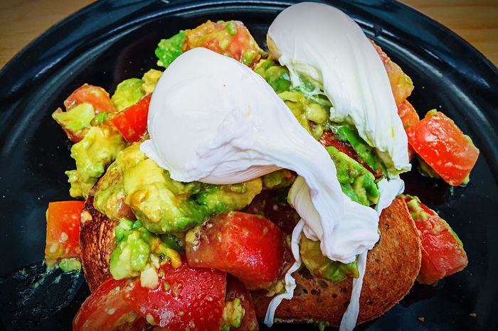 Avocado Smash with Poached Eggs Avocado Avocado Smash Eggs Poached Eggs  Breakfast Tomato Toast🍞 Food Yummy Delicious Eating Out Eating Healthy Healthy Food Healthy Lifestyle Lunch Food Porn Foodphotography Rocket Breakfast Time Hungry Fresh Food Clean Eating Vegetables Cafe Time