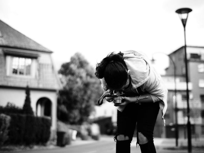 Young photographer Taking Photos Photography Taking Photos Taking Photo Taking Photos Of People Taking Photos Black&white Blanco Y Negro Black And White Photography Blancoynegro Black & White Shallow Depth Of Field Selective Focus
