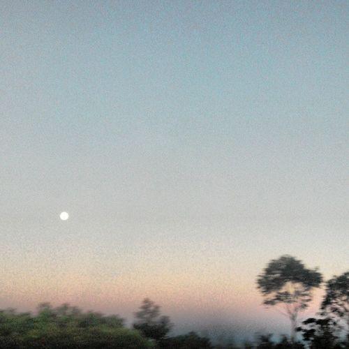 Moon on Mariage . Lune au Matin ciel cloud 974 lareunion nature landscape