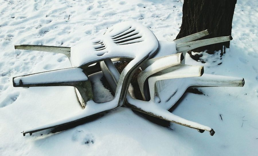 was denn da los... PhotoArt By Kitty Fischer Walking Around Winter White By CanvasPop Chairs_in_snow Frozen In Time Winter Time Winter_collection Enviroment Chairs And Tables Waiting For The Sun Snow Object Photography Lonely Objects Chairs Chair In Garden Outdoors Photograpghy  Together As One