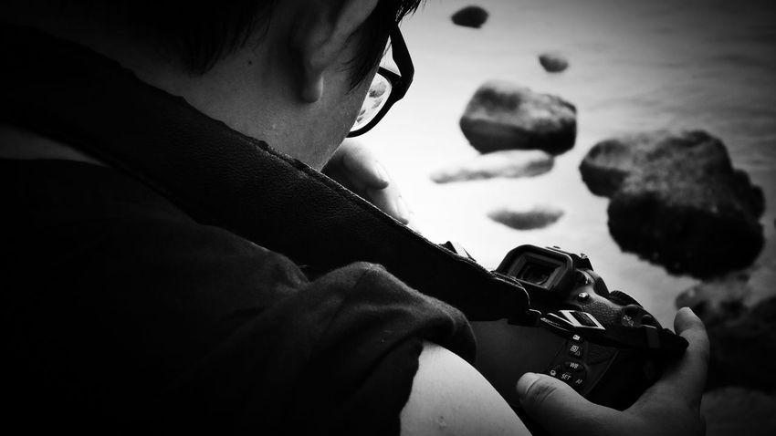 2018/6/10 速寫朋友 於石門洞 Taiwan Friendship Friend Bw Bw_lover BW_photography B&w B&w Photo Bw Photography B&w Photography Bwphotography Human Hand Men Holiday Moments EyeEmNewHere
