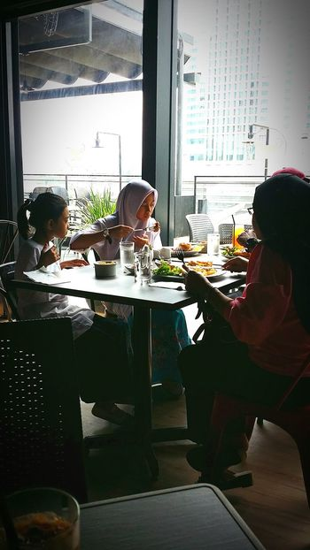 Lunch Malay Family Happy Moment