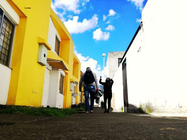 Building Exterior Cloud - Sky Sky Rear View Architecture Two People House Built Structure Outdoors Adult Men Women Day Real People People Adults Only Togetherness Quito