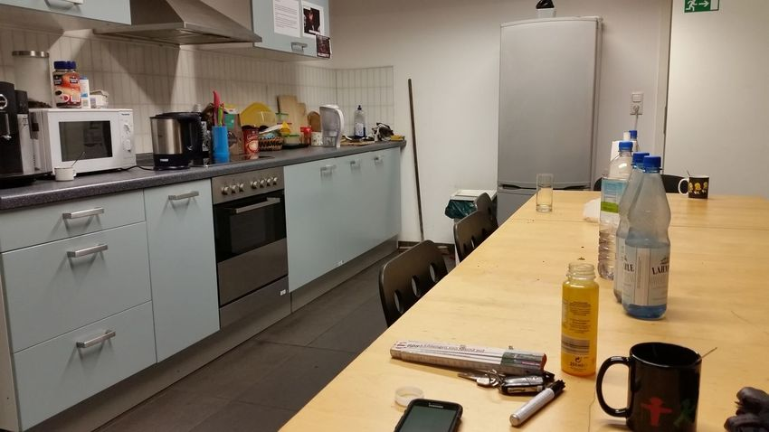 Feel good Domestic Kitchen Kitchen Indoors  Domestic Room Domestic Life Home Interior No People Day Hello World Taking Photos Büroküche Arbeit Makemyday