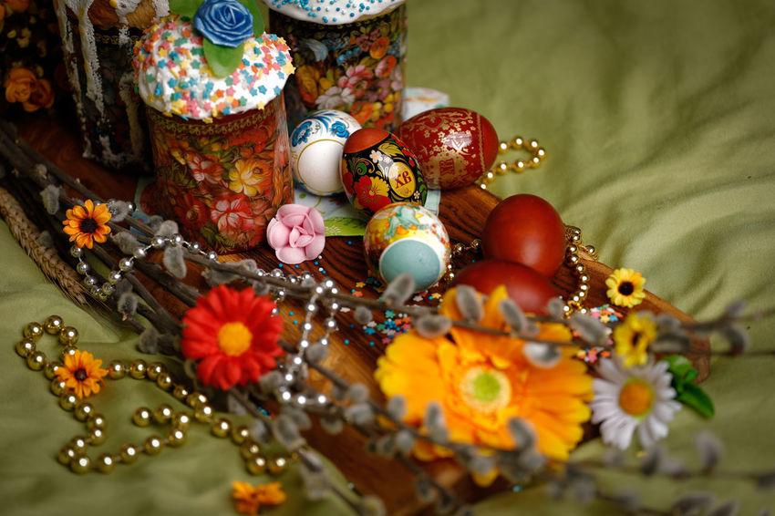 Studio Shot EyeEm Selects WeekOnEyeEm Easter Easter Eggs Flower Low Section Beauty Multi Colored Celebration Close-up Easter Cake