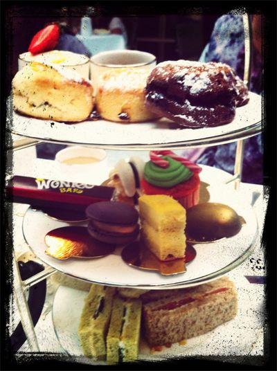 #charlieandthechocolatefactory #afternoontea #london