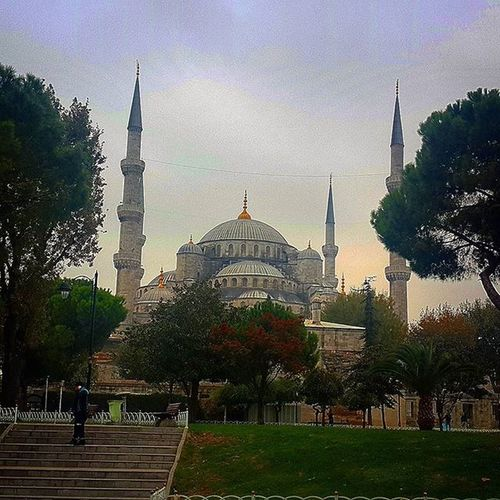 One of the beautiful city on earth.... Istanbul Türkiye Turkey Travel Journey Oldtown Art Architec Architecture Hagia Sophia Bluemosque Blue Mosque Sultanahmet Camii Cami Mescid Islamic_art Islam Ottoman Oldmosque Mosque Religion_for_peace Instagram_world Instadaily Insta_people instamood comeseeturkey oneistanbul istanbullife amazingturkey