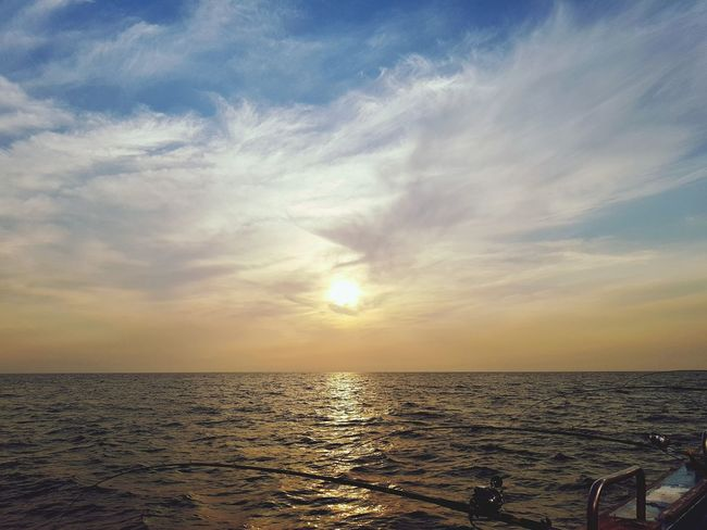 Sun is going down to sea Sunset Sea Sun Sky Sunlight Scenics Horizon Over Water Tranquility Dramatic Sky Nature Summer Beauty In Nature Tourism Outdoors Eyeemphotography Korea Landscape
