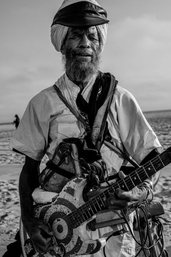 harry perry Black And White Portrait Color Portrait Day Guitar Guitarist Los Angeles, California Music One Person Outdoors People Portrait Real People Rock N Roll Rollerblading Senior Adult Sky Vacations Venice Beach