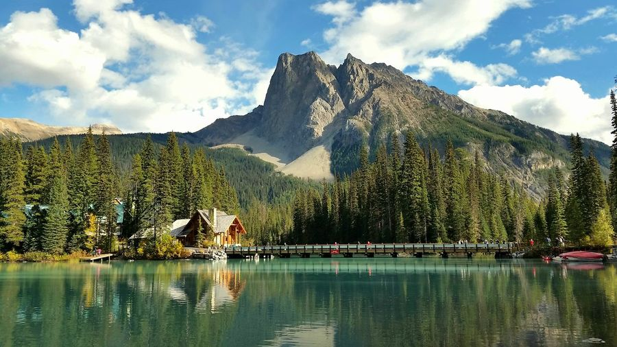 Emerald Lake in Yoho National Park, British Columbia, Canada Cabin Lodge Emerald Lake Yoho National Park YOHO Travel Destinations Forest British Columbia Canada Landscape Nature Outdoors Hiking Daytime Backgrounds Travel BC, Canada Adventure Road Trip Wallpaper Backgrounds Top Download Water Mountain Lake Reflection Mountain Peak Sky Mountain Range Cloud - Sky
