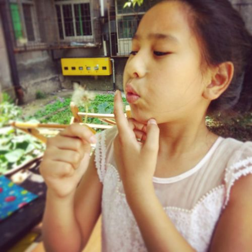 Children Photography My Little Sister  Hello World Lovely