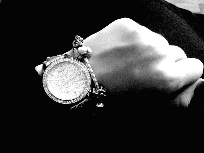 Watch The Clock Guess Pandora