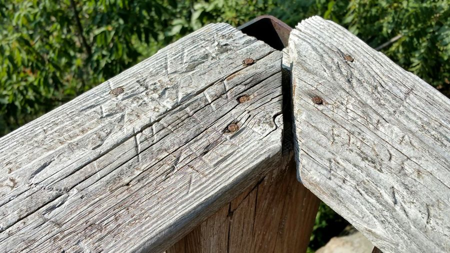 Wood Railing Rusty Nails Carvings Metal Weathered Wood Old Test Of Time Overlook A Bird's Eye View