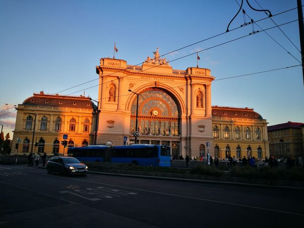 Car Architecture History Façade Arch Building Exterior No People Public Transportation Outdoors Illuminated Royalty Triumphal Arch Fame Day Keleti Pályaudvar Keleti Railway Station Railway Railway Station Platform Beatiful Indoors  Niceplace Omg *_* Omg Sky
