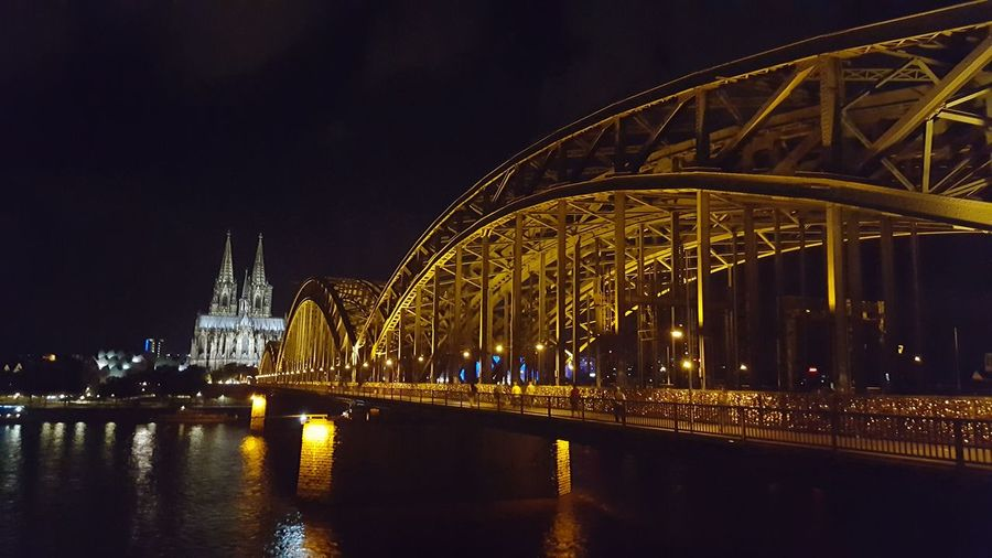 Köln hohenzollernbrücke Deutschland Germany🇩🇪 illuminated night architecture connection river transportation travel destinations arch bridge bridge city life tourism bridge - man made structure water dark illuminated night architecture built structure connection bridge - man made structure river First Eyeem Photo