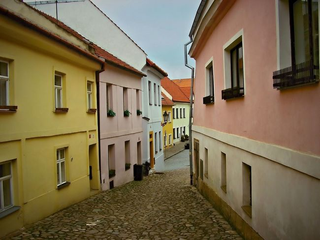 U Templu (By the Temple) back street in Boskovice city EyeEmNewHere Backstreets & Alleyways Colors Colour Your Horizn Houses Architecture Backstreet City Lane Street