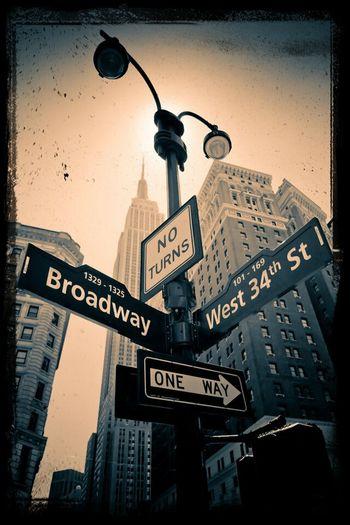 Broadway Oneway Noturns