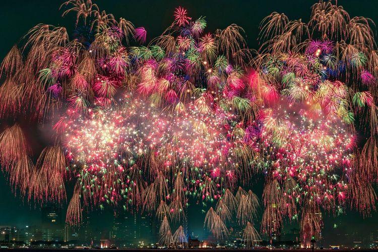 seaside momochi fireworks fantasia Night Firework Display Multi Colored Firework - Man Made Object No People Japan Sky Fireworks