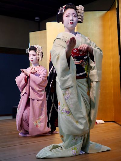 Today's Kyo-mai dance Mametama and Katsuhana, Gion kobu district Maiko 本日の芸舞妓の舞 豆珠さん 佳つ花さん Portrait Portrait Of A Girl Standing And Sitting 祇園甲部 舞妓 Kyoto Photography Panasonic GX8 LEICA D SUMMILUX 25mm 50mm F/1.4 No Flash No Filter, No Edit, Just Photography Kyo-mai ( 京舞 ) Stage - Performance Space Maiko Teenager Japanese Girl Indoors  Full Length Traditional Clothing Two People Fashion Human Representation Togetherness Females Emotion Standing