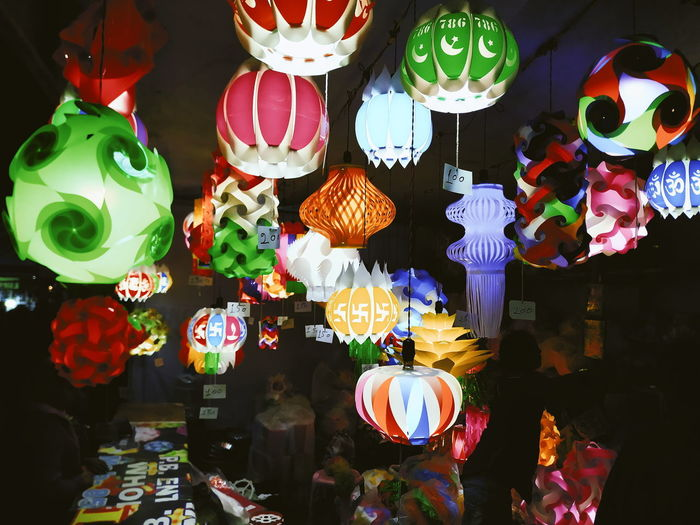 Multi Colored Choice Retail  Illuminated For Sale Hanging Variation Decoration Market Night Large Group Of Objects Lighting Equipment No People Lantern Abundance Retail Display Art And Craft Business Small Business Arrangement Sale Consumerism Street Market