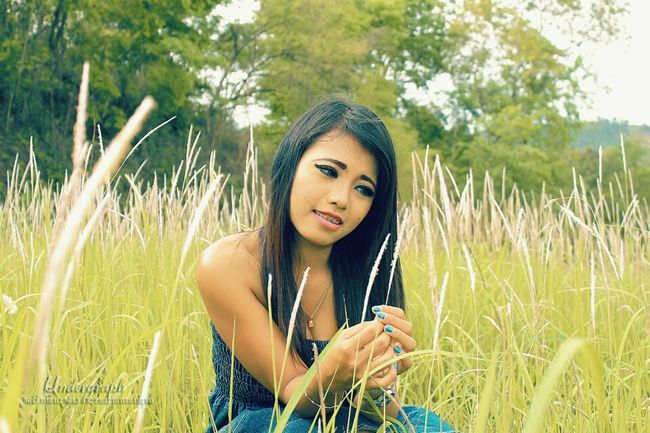 Beauty Portrait Beautiful People Young Adult Summer Nature Long Hair Women Boho Beauty In Nature Serene People Rural Scene Arts Culture And Entertainment Adult Green Color Day Dreaming Grass Young WomenHuman Body Part One Young Woman Only Undergraph WeekOnEyeEm Photography People Sunbeam