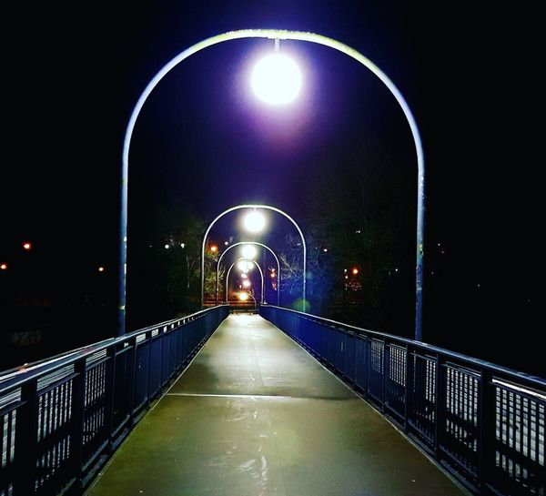 Brücke am Heizkraftwerk Saarbrücken Nightlights St_arnual Nachtfotografie Saaruferkanal Nacht Saarland Saar Saarlaender Saarbruecken Heizkraftwerk  Saarufer Bruecke