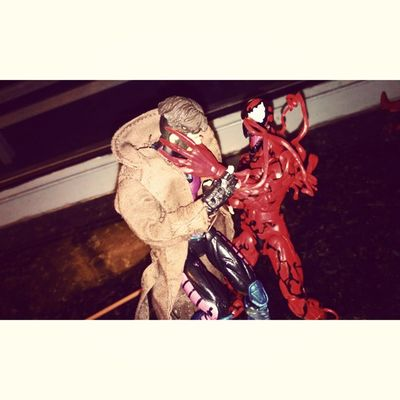 Carnage searching for the spider Gambit  Xmen Carnage Cantbreath Marvellengends Sobeautiful Vs Spiderman Figurecollecting Figures