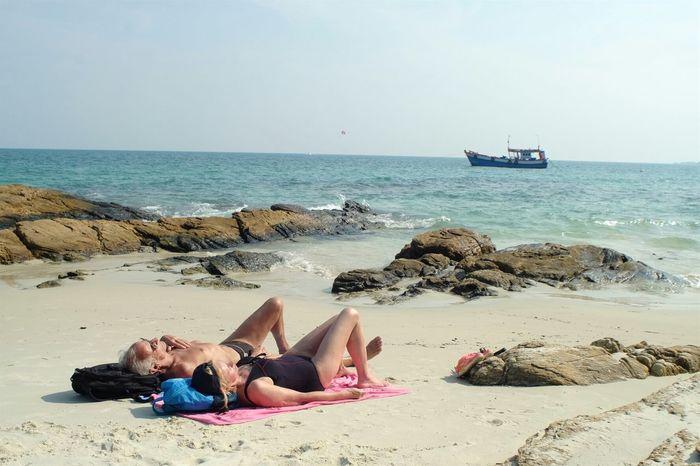 Showcase April Sunbathe Beach Sea Seascape Landscape Kohsamet Thailand Up Close Street Photography Telling Stories Differently The Street Photographer - 2016 EyeEm Awards