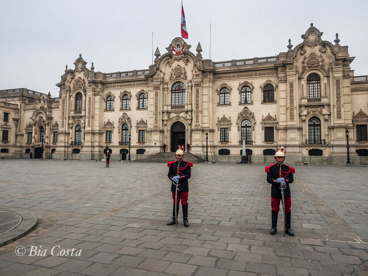 #City #Perú #guards #palace Architecture Building Exterior Built Structure Façade History Military Uniform Travel Destinations