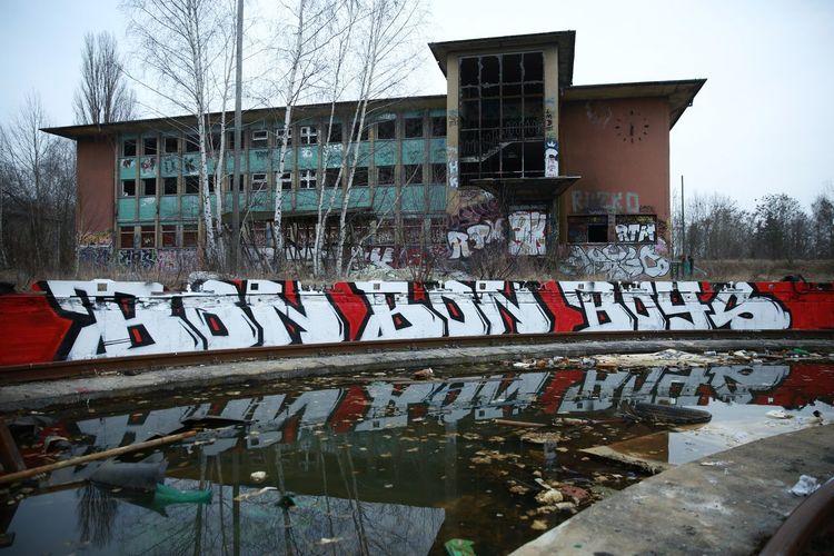 Berlin Blend Bon Bon Boys Day Graffiti No People Old Old Buildings Outdoors Ruins Trzoska Water