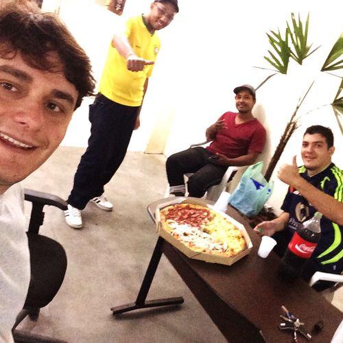 Pra encerrar a noite uma bela pizza!!!! First Eyeem Photo